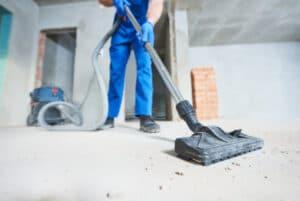 Baustellenreinigung mit Industriestaubsauger