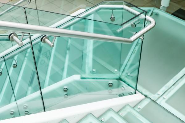 Treppen und Fenster blitzsauber